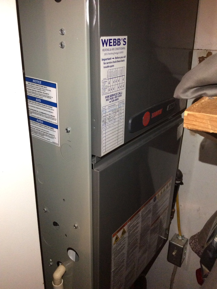 Herrin, IL - Webb's Annual Fall Clean and Check on a Trane XT95.  90% Gas Furnace.