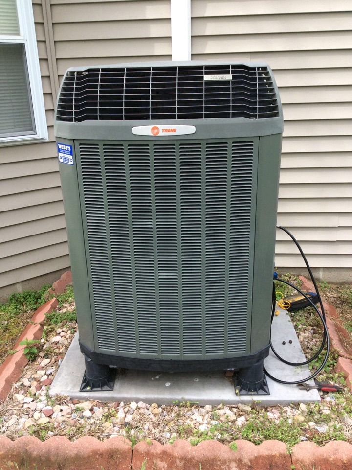 Herrin, IL - Webb's 25pt Annual Fall Maintenance on a Trane XL15i Heat Pump System.
