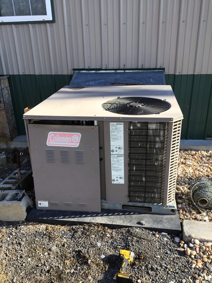 Murphysboro, IL - Webb's Annual Fall Maintenance on a Coleman gas fired package unit and Fujitsu 2headed mini split.