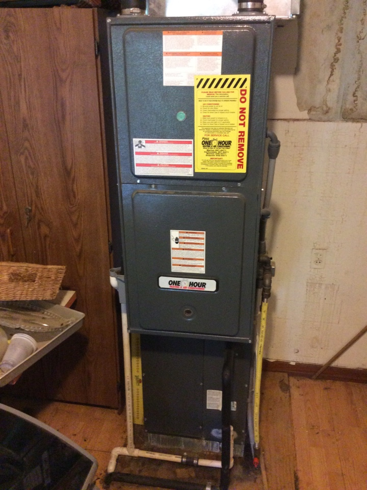 Carbondale, IL - Webb's 25pt Annual Fall Maintenance on a Goodman Gas Furnace