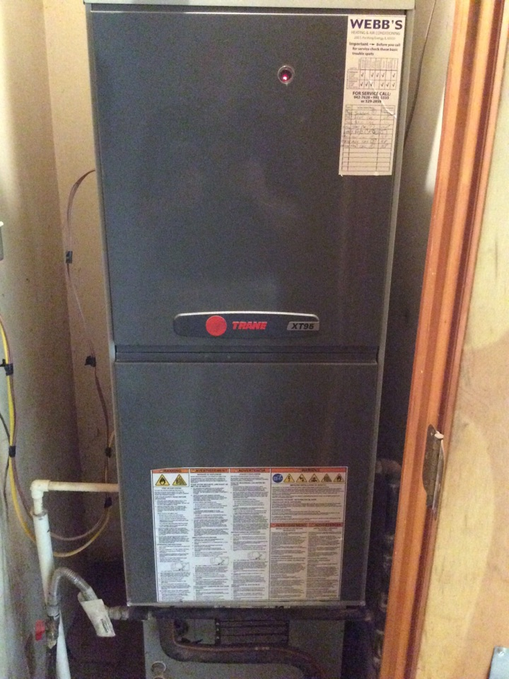 Carbondale, IL - Webb's 25pt Annual Fall Clean and Check on a Trane XT95.  90% Gas Furnace.