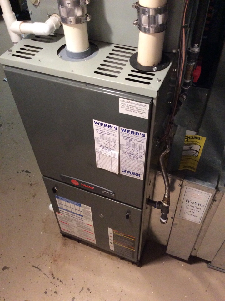 Carbondale, IL - Webb's Annual Fall Clean and Check on a Trane XR90.  90% Gas Furnace.