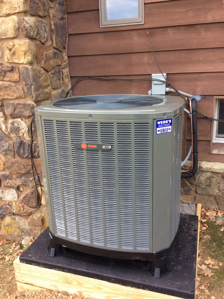 Carbondale, IL - Webb's Annual Fall Maintenance on a Trane XR Heat Pump System.