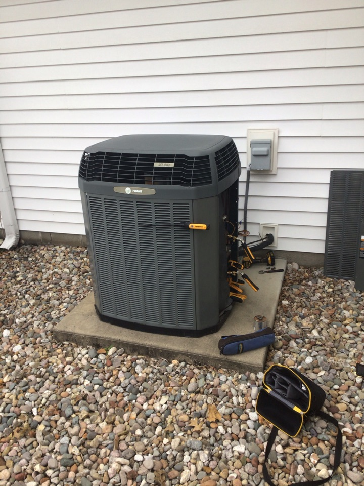Marion, IL - Webb's 25pt Annual Fall Maintenance on a Trane XL14i Heat Pump System