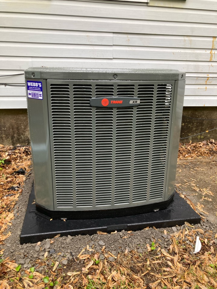 Herrin, IL - Installing a new Trane air conditioner and gas furnace.