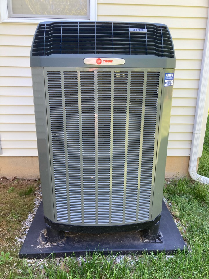Carbondale, IL - Performing maintenance on a Trane XL 18i heat pump in Carbondale.