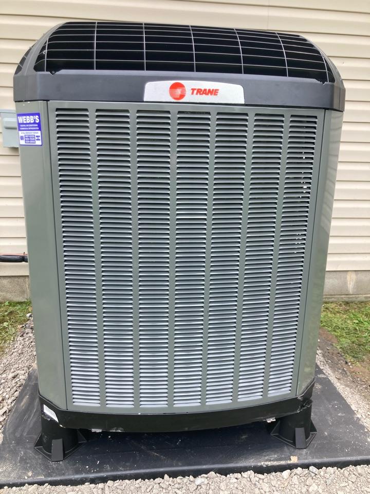 Marion, IL - Installing a new Trane heat pump