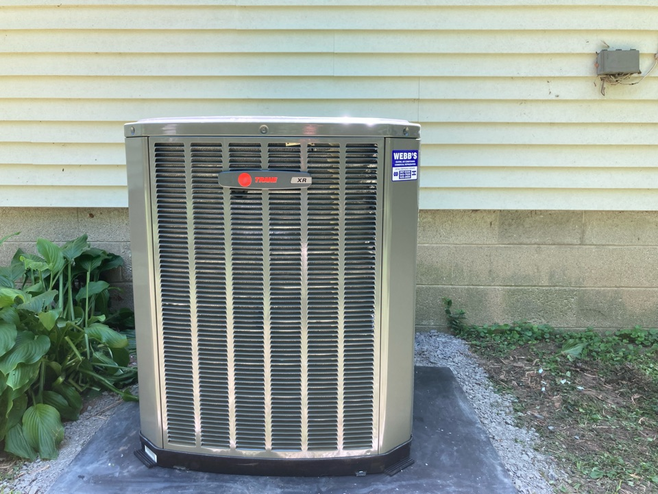Carbondale, IL - Installing a new Tran air conditioner