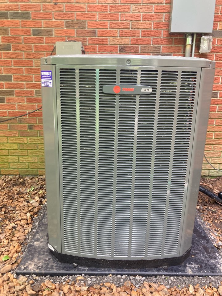 Carbondale, IL - Installing a new Trane air conditioner.
