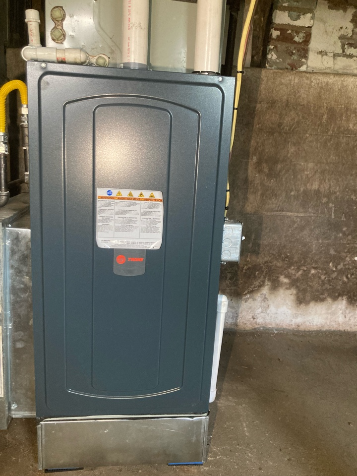 Herrin, IL - Installing a new Trane gas furnace
