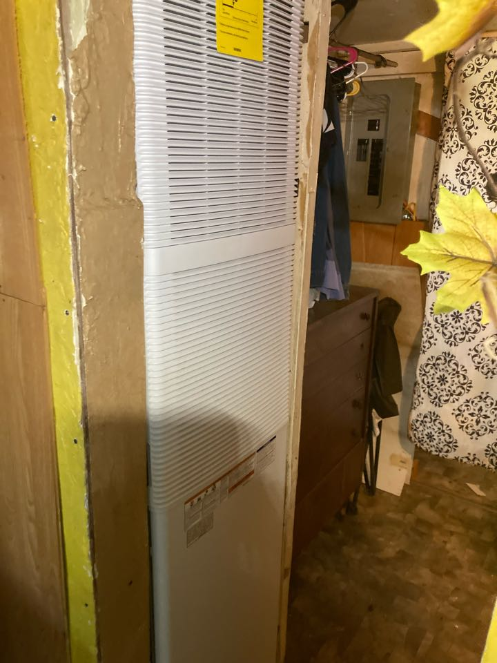 West Frankfort, IL - Installing a new Coleman gas furnace