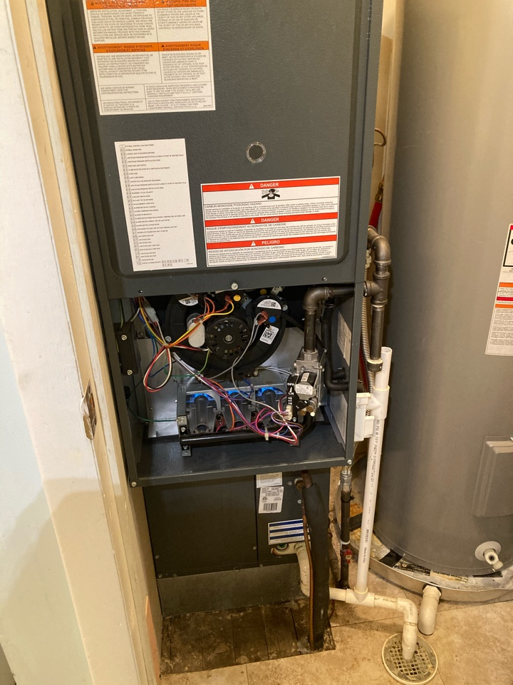 Carbondale, IL - Performing maintenance on a Goodman gas furnace in Carbondale.