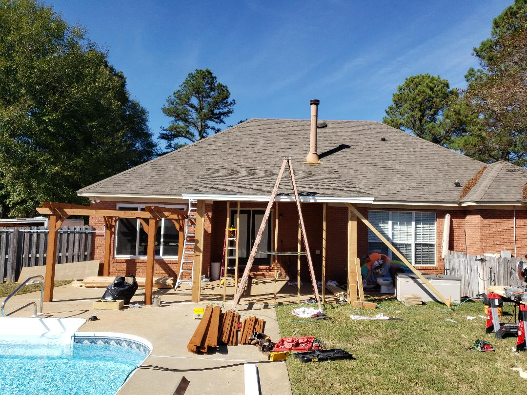 Wetumpka, AL - Shingles on screened in porch addition