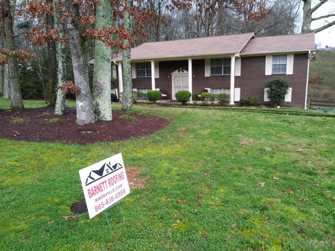 Knoxville, TN - New roof install at 1550 North Parkridge dr .. Gaf Shakewood shingles