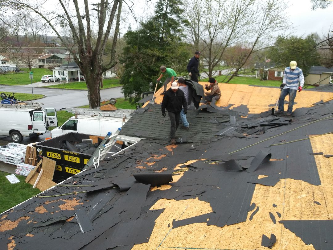 Clinton, TN - Installing new roof today in Clinton Tn