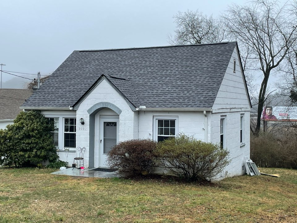 Knoxville, TN - New roof on a North Knox house