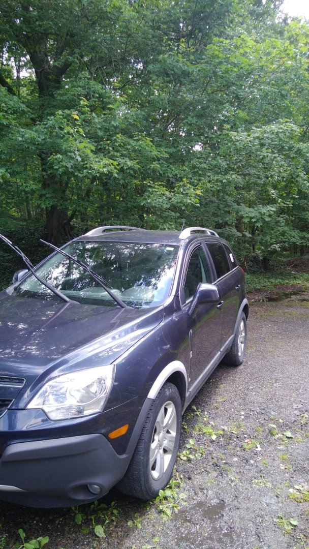 Lansford, PA - Replaced windshield on Chevy Captiva for a customer at her home