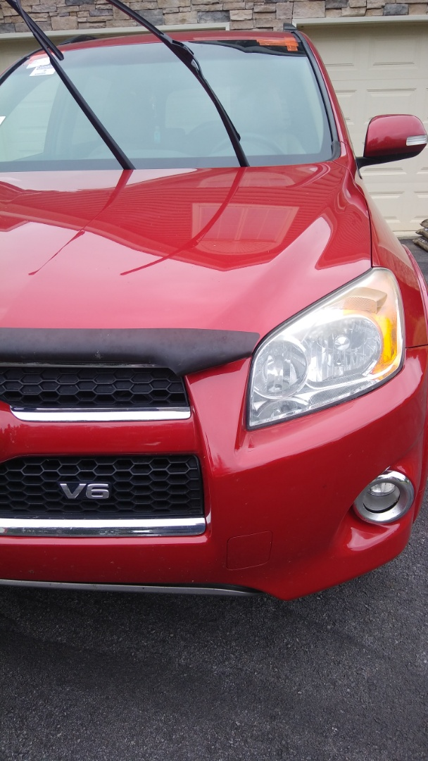 Fogelsville, PA - Replaced windshield on Toyota Rav4 for a customer at her home