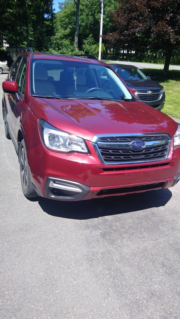 Effort, PA - Replaced windshield on Subaru Forester for a customer at his home