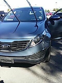 Stroudsburg, PA - Replaced windshield on Kia Sportage at Abeloff KIA in Stroudsburg PA