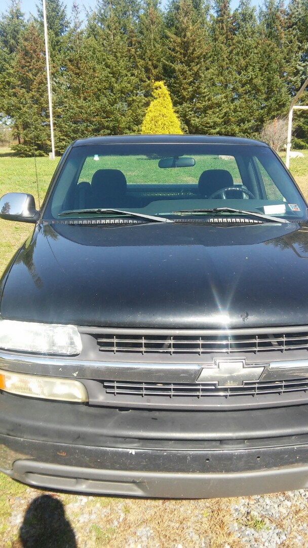 Palmerton, PA - Replaced windshield on Chevrolet Pickup for a customer in Palmerton PA