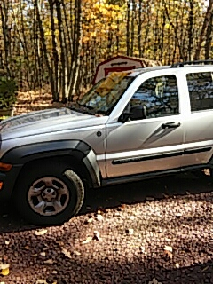 Effort, PA - Repaired windshield on a Jeep Liberty for a customer in Effort PA