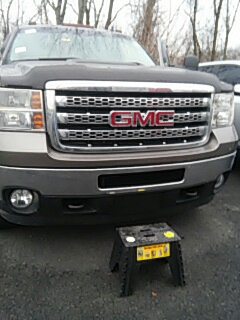 Stroudsburg, PA - Replaced windshield on GMC Sierra at Abeloff Buick