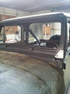 Schnecksville, PA - R&R windshield on Jeep Wrangler for Jim's Bodyworks