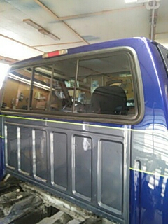 Kunkletown, PA - Replaced windshield and back slider on Ford F250 for a customer at their house