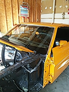 New Tripoli, PA - Installed windshield and back glass on 72 Mustang for a customer at their house