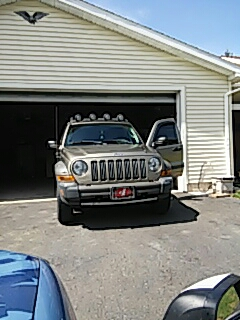 Palmerton, PA - Replaced windshield on Jeep Liberty for a customer at their house