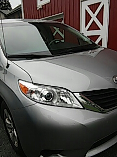 Breinigsville, PA - Replaced windshield on Toyota Sienna for a customer at their business