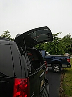 Schnecksville, PA - Replaced back glass on GMC Yukon for a customer at their work