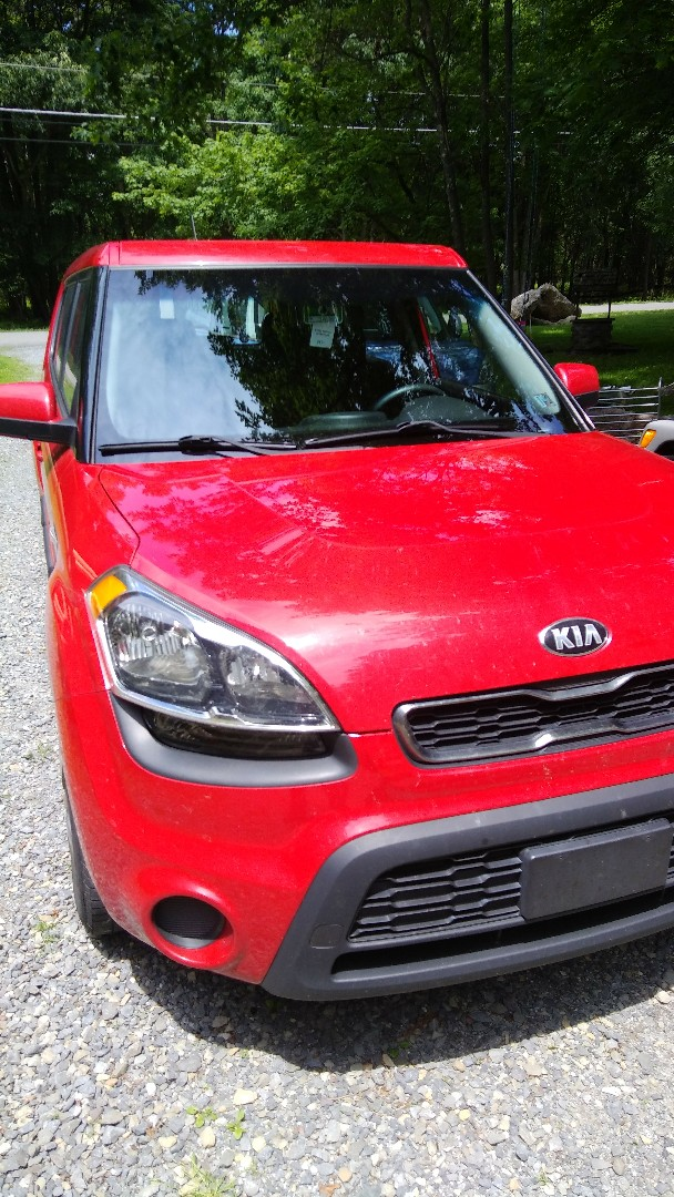 Albrightsville, PA - Replaced windshield on Kia Soul for a customer at their house