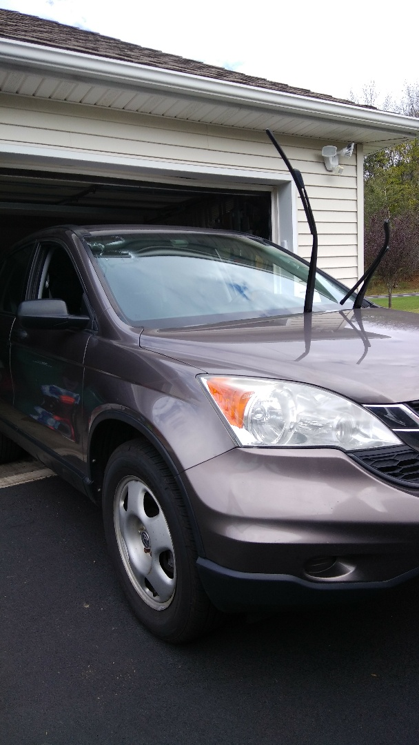 Stroudsburg, PA - Replaced windshield on Honda CR-V for a customer at their home for the exact price quoted