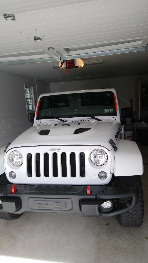 Stroudsburg, PA - Replaced windshield on Jeep Wrangler for a customer at their home for the exact price quoted