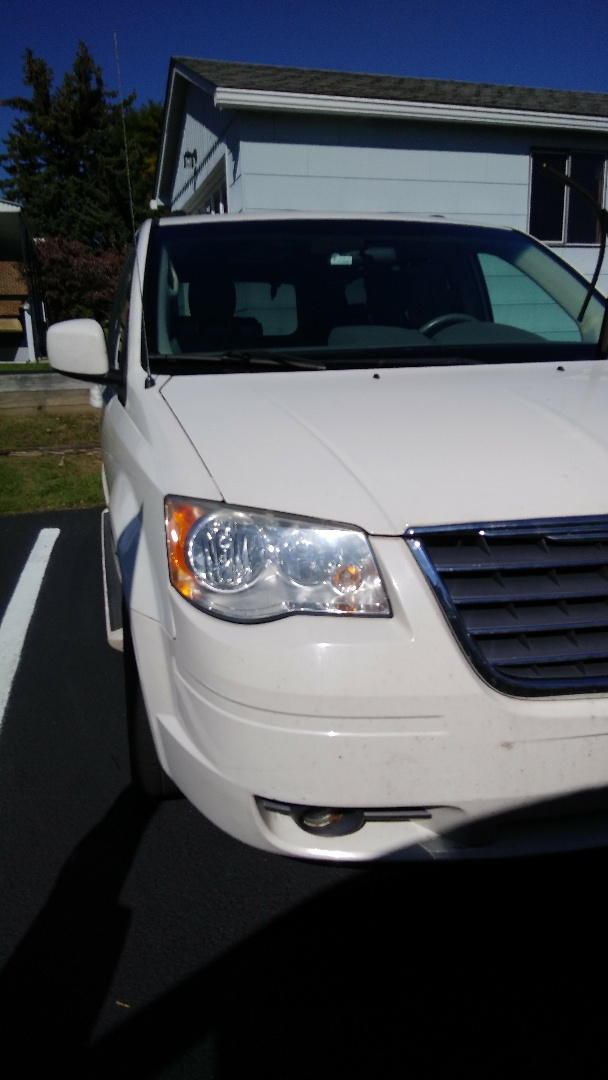 Slatington, PA - Replaced windshield on Chrysler Town and Country for Rentschler Chrysler