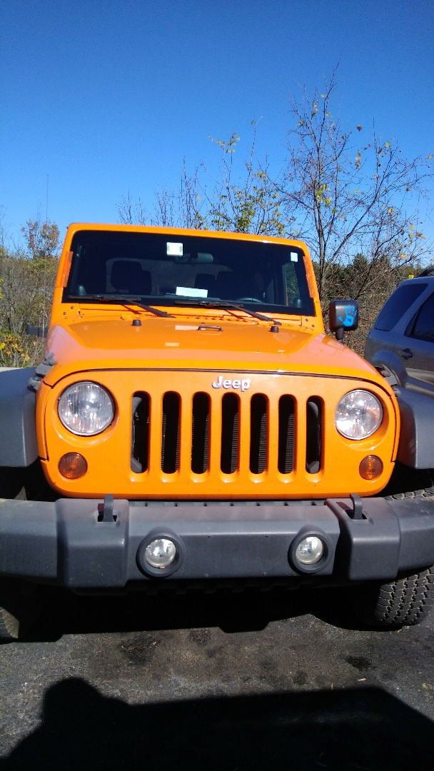 Lehighton, PA - Replaced windshield on Jeep Wrangler for a customer and processed the claim with Farmers Insurance for them