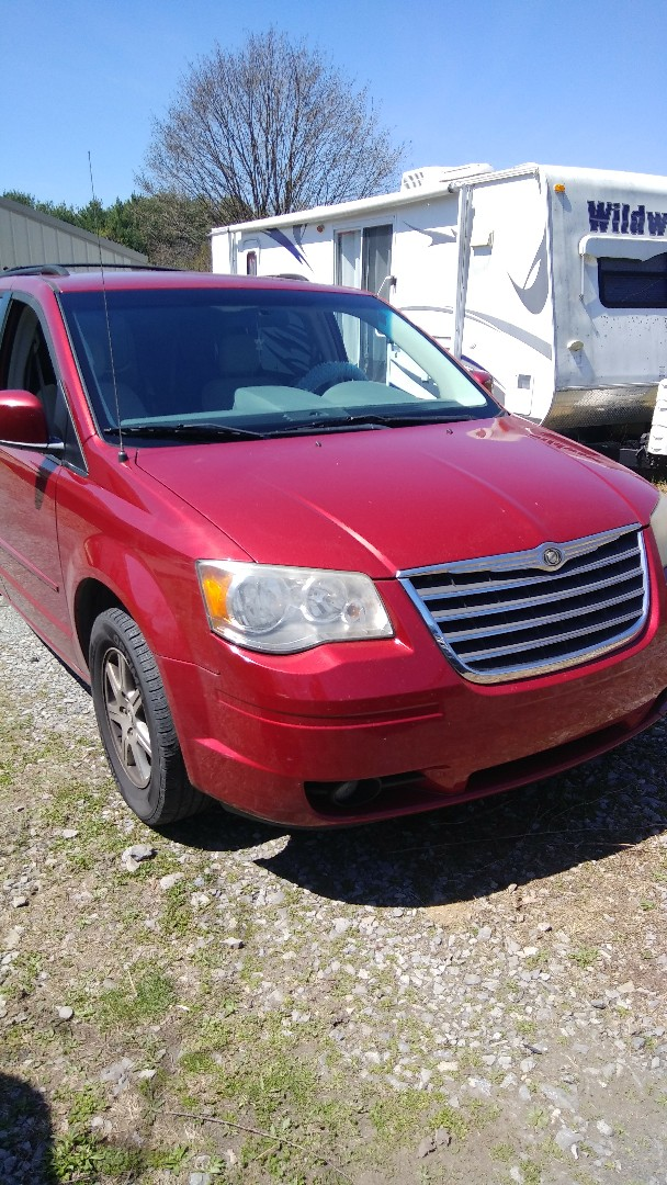 Kempton, PA - Replaced windshield on Chrysler Town and Country for a customer at his home for the exact price quoted