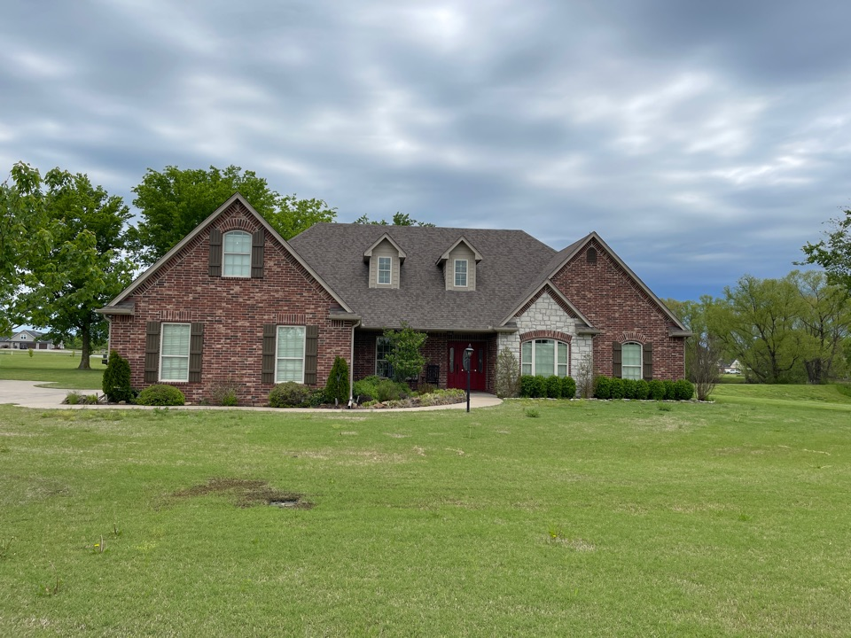 Pryor, OK - New roof estimate in Pryor. Call Arrowhead today to get a free estimate, ask for Tina and Brian. 918-743-9257