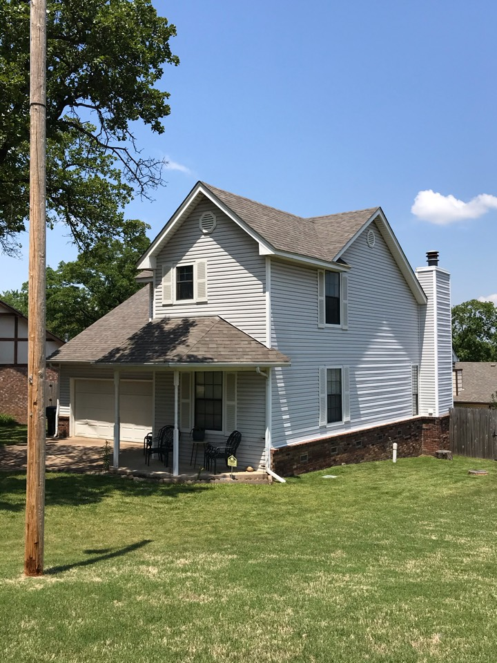 Sapulpa, OK - Just finished a new roof replacement in Sapulpa. It was a complete tear off and we installed GAF Timberline Natural Shadow shingles. The color is Weather Wood. We installed new ventilation system and new flashings. Call today for a free estimate 918-743-9257