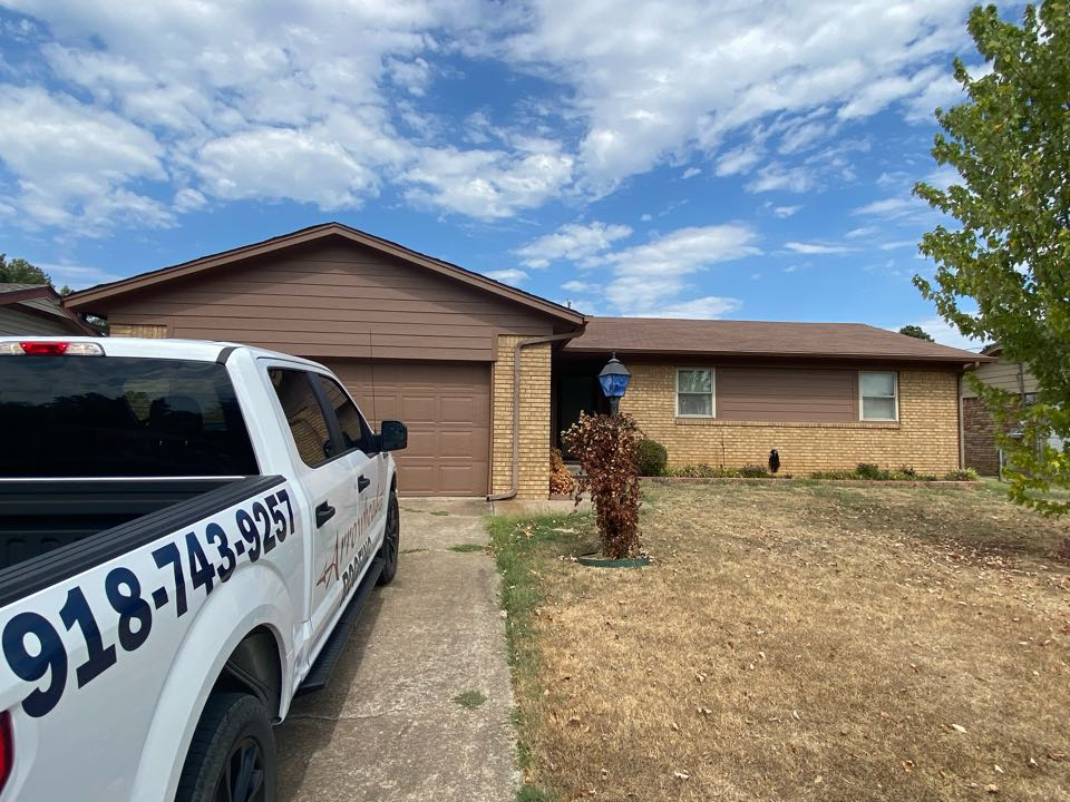Sand Springs, OK - Estimate for new roof due to age and lots of older hail damage.