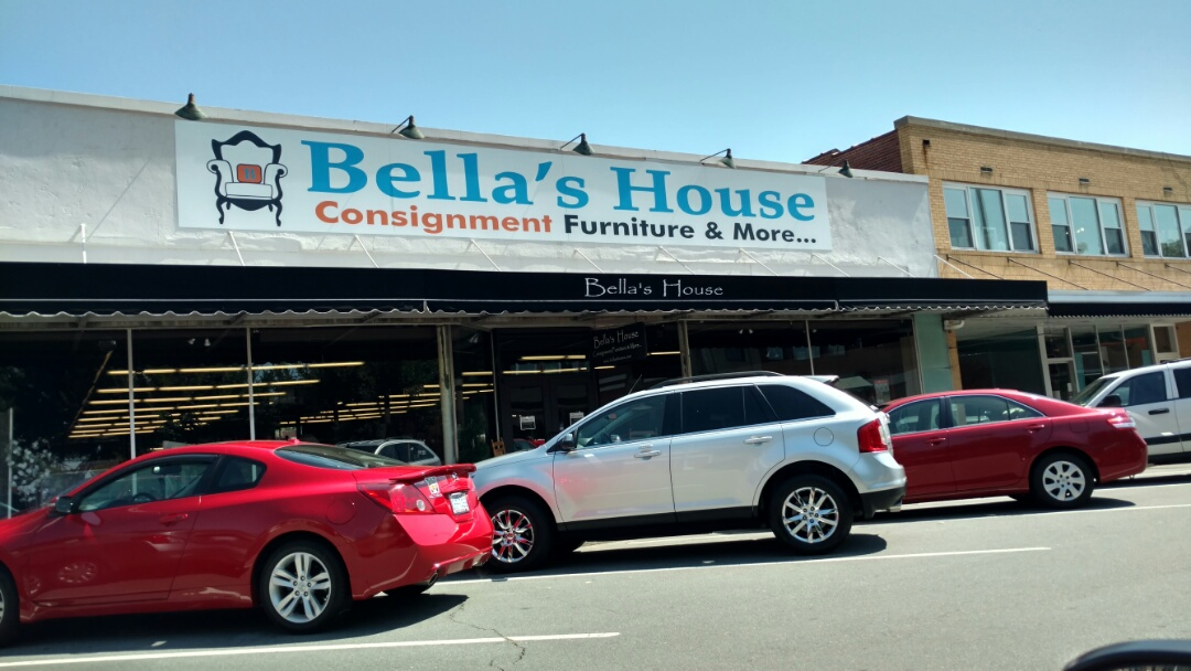 Burlington, NC - Dropping off our Mumford Restoration Brochures at Bella's House Consignment Store downtown Burlington on E. Front St.