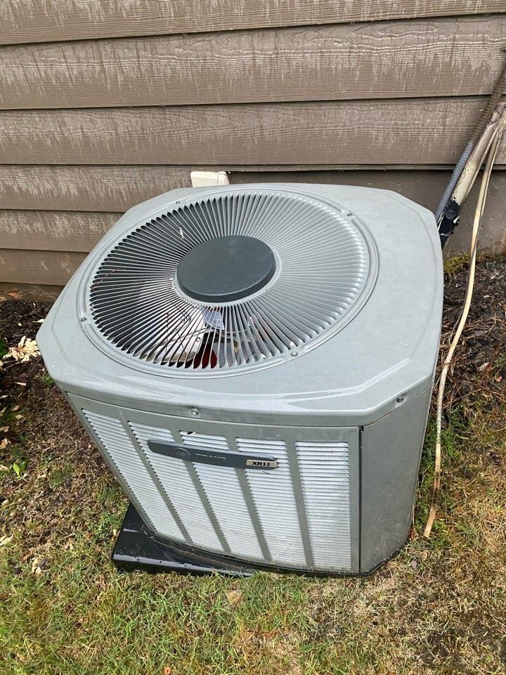 Dallas, GA - Breaker tripped. Turn back on and the system is cooling.