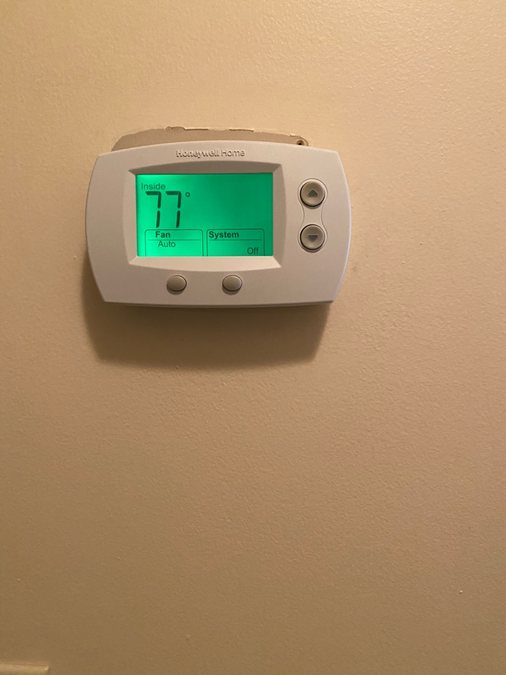 Villa Rica, GA - Replaced Thermostat. Not it's easier to control/ run their system.