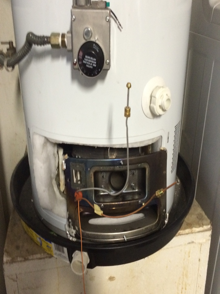 Hemet, CA - Replacing a faulty pilot assembly on a GE water heater.