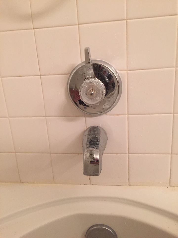 Hemet, CA - Rebuilding a mixet tub and shower valve.