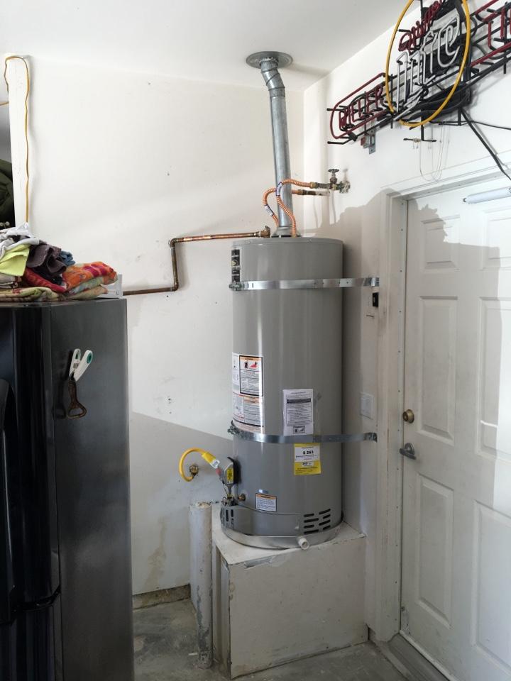 Lake Elsinore, CA - Installing a 50 gallon Bradford White water heater in lake Elsinore ca.