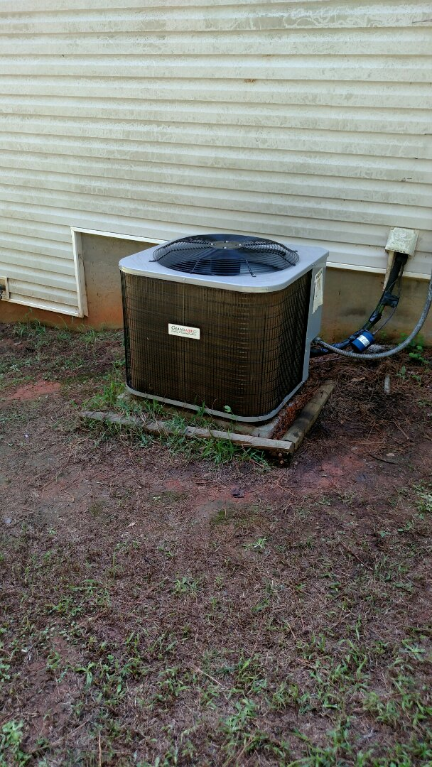Braselton, GA - Replacing bad compressor on this 1 year old Grandaire heat pump system that we did not install. Customer does have a 10 parts warranty.
