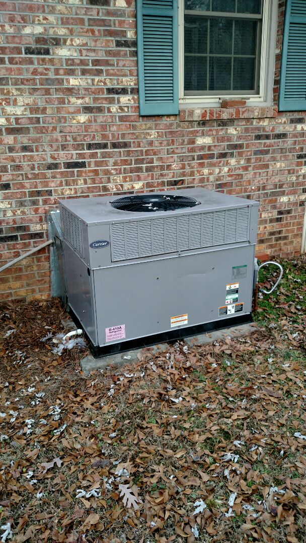 Oakwood, GA - Performing heating tune up on this 10 year old Carrier gas package unit. We are a true family owned and operated heating and air conditioning company. We have been servicing the area for over 13 years. Check out our great customer reviews. We are here to serve you and your family with honesty and integrity.